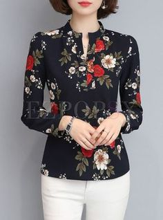 Brief Print V-neck Long Sleeve Blouse - Blusas - Pins Für Deutsche Mode Outfits, Urban Outfits, School Outfits, Blouse Styles, Blouse Designs, Mode Pop, Blouse Online, Shirts Online, Fashion Clothes