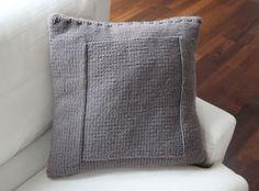 Kissen - Edles, flauschiges Wohnzimmer-Kissen, taupe - ein Designerstück von bettinchen bei DaWanda