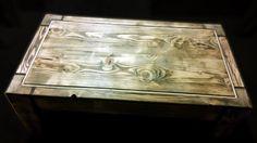Meble artystyczne: Stolik kawowy ze starego drewna