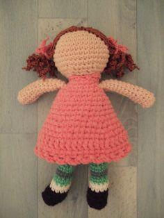 Les poupées sans visage: la poupée Assia