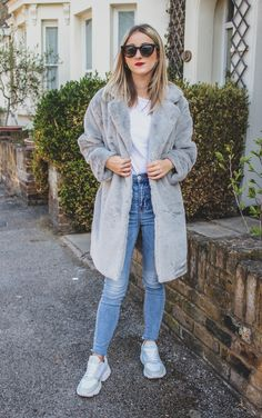 #coat #autumn #style #fashion #women #outfit #winter #luxury #cosy #classy #crueltyfree #clothing #fur #faux #warm #fall #lookbook #trend #coldweather #vegan Fashion Women, Style Fashion, Grey Faux Fur Coat, Fall Lookbook, Autumn Style, Fur Coats, Outfit Winter, Furs, Shoulder Sleeve