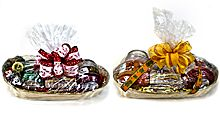 Mia Bella's Gift Baskets ~   We now have available (2) beautiful gift baskets that include your choice of fragrances in either (2) 9oz jar candles or (2) 16oz jar candles plus a mouth-watering Bella Bun.  You can add your own personalized message of up to 180 characters and we will include a hand-written personalized note from you with your gift basket!   http://www.candlecomforts.scent-team.com/products/giftbaskets.php