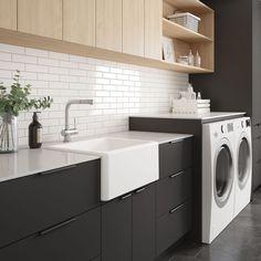 Laundry Chute, Laundry Room Storage, Home Decor Kitchen, Kitchen Design, Utility Room Designs, Laundry Cabinets, Modern Laundry Rooms, Laundry Room Inspiration, Kitchen Colour Schemes
