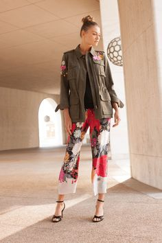 See the complete Trina Turk Resort 2018 collection.