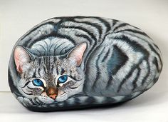 Cat painting on rock by sassidipinti, via Flickr