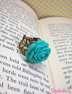 Cute vintage turquoise rose ring