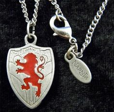 CHRONICLES OF NARNIA SHIELD & LION ASLAN NECKLACE PEWTER W/ QUOTE ON BACK DISNEY