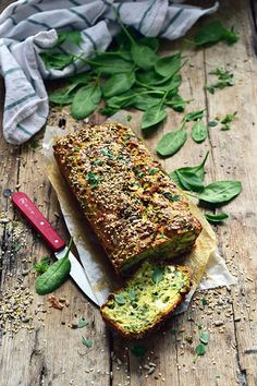 My spinach cake with feta and small seeds because decidedly the more it goes the more I love spinach! Tart Recipes, Raw Food Recipes, Sweet Recipes, Cooking Recipes, Terrine Recipes, Cooking Cake, Batch Cooking, Healthy Cooking, Cake Legumes