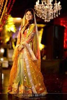 Pakistani Wedding Dresses Designs For Mehndi, Barat, Walima With Pictures Pakistani Mehndi Dress, Bridal Mehndi Dresses, Mehendi Outfits, Pakistani Couture, Pakistani Wedding Dresses, Pakistani Bridal, Pakistani Outfits, Designer Wedding Dresses, Indian Dresses