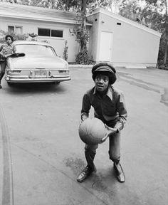 Michael Jackson playing basketball - Jackson 5 Era