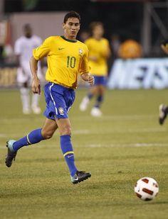 Ex-meia Felipe, de 36 anos, diz que Ganso parece ter a sua idade - Futebol - R7 Copa do Mundo 2014