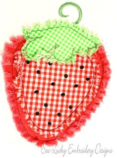 Raggy Strawberry applique design - machine embroidery design- Many formats - INSTANT DOWNLOAD. $3.50, via Etsy.