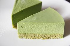 Matcha Mousse Pie