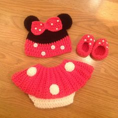 Minnie Mouse hat diaper cover and slipper by MimisClosetBoutique