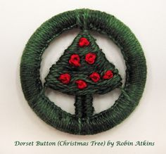 Dorset button, tree design, made by Robin Atkins
