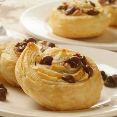 Cream Cheese Chocolate Chip Pastry Cookies - an enticing dessert for any party guest and very easy to make with puff pastry! Cookie Cups, Cookie Desserts, Just Desserts, Cookie Recipes, Delicious Desserts, Dessert Recipes, Yummy Food, Delicious Cookies, Yummy Eats