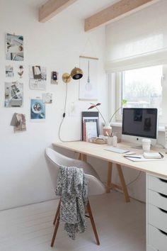 Home Office am Fenster einrichten
