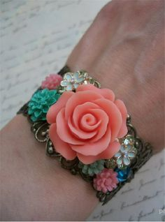 Cabochon Jewelry with Flower Cabochons