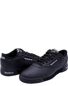 Low cut design - A midsole for lightweight shock absorption - Logo details at the midfoot, heel, and sole for low-key, classic style - Padded collar and tongue - Lace up closure - Durable rubber outsole Sneakers Fashion, Fashion Shoes, New Bentley, Casual Shoes, Dress Shoes, Footwear, Low Key, Nike, Boots