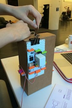 Keep tabs on your coinage with this littleBits connected bank. #Atmel #littleBits #Arduino #cloudBit #Makers #DIY