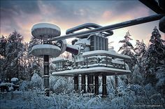 Dmitry Mordolff - Research Installation with the generators of Marx and Tesla Tesla Generator, Days Of Future Past, High Voltage, Yahoo Images, Planer, Futuristic, Abandoned, Image Search, Nature Photography