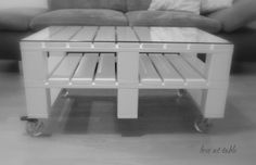 "handmade wooden table ""pallet"""