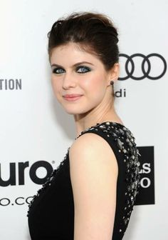 Actress Alexandra Daddario attends the Annual Elton John AIDS Foundation Academy Awards Viewing Party at The City of West Hollywood Park on March 2014 in West Hollywood, California. Hottest Female Celebrities, Celebs, Beautiful Eyes, Most Beautiful, Alexandra Daddario Images, Kelly Rohrbach, Kelly Ripa, Elton John Aids Foundation, Matthew Daddario