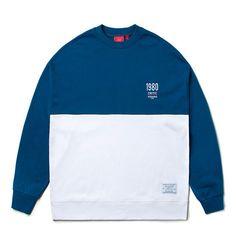 투톤 컬러의 기모안감 맨투맨  CRITIC 2TONE WIDEFIT SWEATSHIRT (BLUE)_CTOSICR09UB2