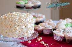 #Wedding #WeddingCake #DericoPhotography @dericophoto