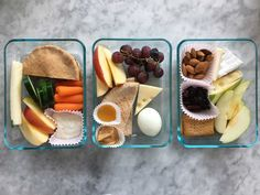 Starbucks' line of bistro boxes are a perfect solution when you're on the go and want to avoid greasy fries and burgers. They're fresh low-calorie and typically include vegetables fruits and healthier protein sources like nut butters. These DIY boxes Starbucks Bistro Box, Starbucks Lunch, Starbucks Protein Box, Starbucks Breakfast, Healthy Protein Snacks, Healthy School Lunches, Work Lunches, High Protein, Protein Foods