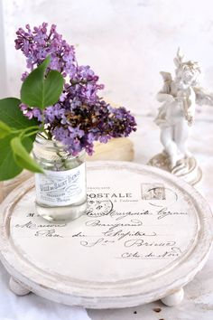 22 DIY ideas of using recycled jars and bottles - learn unique ways of recycling jars and bottles and find inspiration for creating your own home decor with Vintage, French and Shabby Chic touches and many more! Recycled Jars, Woodworking Outdoor Furniture, Woodworking Kits, Wood Crafts, Diy And Crafts, Mini Milk Bottles, Diy Beauty Projects, Pots, Painted Jars
