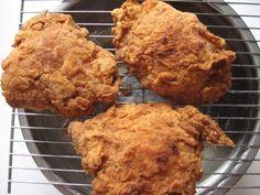 A 5-star recipe for Loretta Lynn's Crispy Fried Chicken made with chicken, flour, garlic salt, black pepper, paprika, poultry seasoning, salt, egg yolk