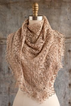Knitting pattern shawl with crochet edge #knittingpattern