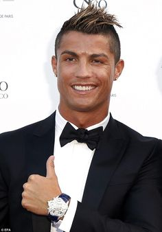 Feeling a little hot? Cristiano Ronaldo sported a shiny face as he posed on the red carpet at the Jacob and Co gala in Monaco on Wednesday Daily Hairstyles, Side Hairstyles, Trending Hairstyles, Latest Hairstyles, Cristiano Ronaldo Haircut, Cr7 Ronaldo, Curly Hair Designs, Curly Hair Styles, Funky Haircuts