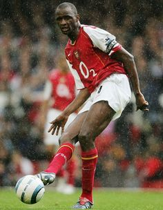 Arsenal players: Best 11 of all time Arsenal Fc, Arsenal Players, Arsenal Football, Football Players, Patrick Vieira, Arsenal Wallpapers, Retro Football Shirts, English Premier League, Great Team