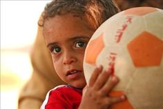 Young football player, SOS Children's Village Tanta - photo: Katja Snozzi