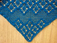 Light and airy shawl, made with the following pattern http://www.ravelry.com/patterns/library/162-23-water-pearl