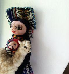 Vintage Peruvian Folk Art Doll Mexican Art, Early American, Handmade Toys, Kitsch, Diy Design, Art Dolls, Folk Art, Primitive, Roots