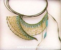 22 - autorská krajka - šperk Jany Novákové