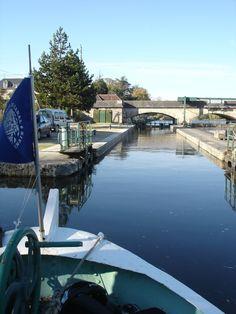 Au fil de l'eau sur le Canal du Nivernais.