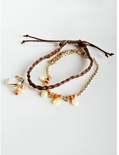 #Vanity                   #ring                     #Shell #Anklets #Ring     Shell Anklets & Toe Ring                            http://www.seapai.com/product.aspx?PID=1249198