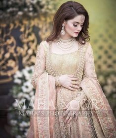 latest fashion trend,luxury bridal dress,beautiful and gorgeous mackup look ,bridal photoshoot ideas Latest Bridal Dresses, Asian Bridal Dresses, Desi Wedding Dresses, Bridal Outfits, Wedding Wear, Dress Wedding, Wedding Rings, Pakistani Party Wear Dresses, Walima Dress