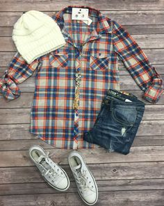Penny Plaid Flannel Top: B.Red/Blue can be worn as long sleeves or a top. It is so very soft and comfy! This is a soft stretchy awesome material! Autumn Fashion 2018, Trend Fashion, Cute Fashion, Fashion Outfits, Women's Fashion, Casual Fall Outfits, Fall Winter Outfits, Cute Outfits, Flannel Shirt Outfit