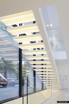 StaircaseHouse MMonovolume Architecture Design