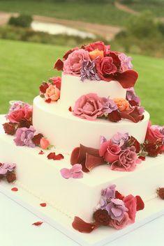 awesome cake! I want it!