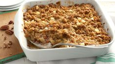 Easy Apple Crisp ~ Apple crisp comes together easily with this packaged oat bar mix. Make it a complete dessert by adding a scoop of vanilla ice cream or a dollop of whipped cream. Best Apple Desserts, Apple Crisp Recipes, Fall Desserts, Dessert Recipes, Apple Deserts, Fruit Recipes, Recipes Dinner, Recipies, Best Apple Crisp
