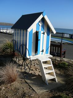 Edwardian Style Beach Hut |Pinned from PinTo for iPad|