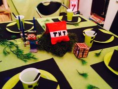 Wie jedes Jahr durfte mein Sohn sich wieder eine Motto Party zu seinem 9. Geburtstag wünschen! Diesmal sollte es Minecraft sein! Okay, der Geburtstag war Anfang Dezember, aber all die tollen Sachen…