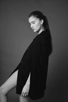 Atelier Kappe by Gabriela Hezner  designer  fot. Kamila Limanowicz  woll cloak , cape  ECManagement