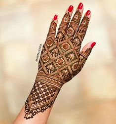 Mehndi henna designs are searchable by Pakistani women and girls. Women, girls and also kids apply henna on their hands, feet and also on neck to look more gorgeous and traditional. Indian Henna Designs, Latest Bridal Mehndi Designs, Full Hand Mehndi Designs, Mehndi Designs 2018, Modern Mehndi Designs, Mehndi Designs For Girls, Mehndi Design Photos, Wedding Mehndi Designs, Dulhan Mehndi Designs
